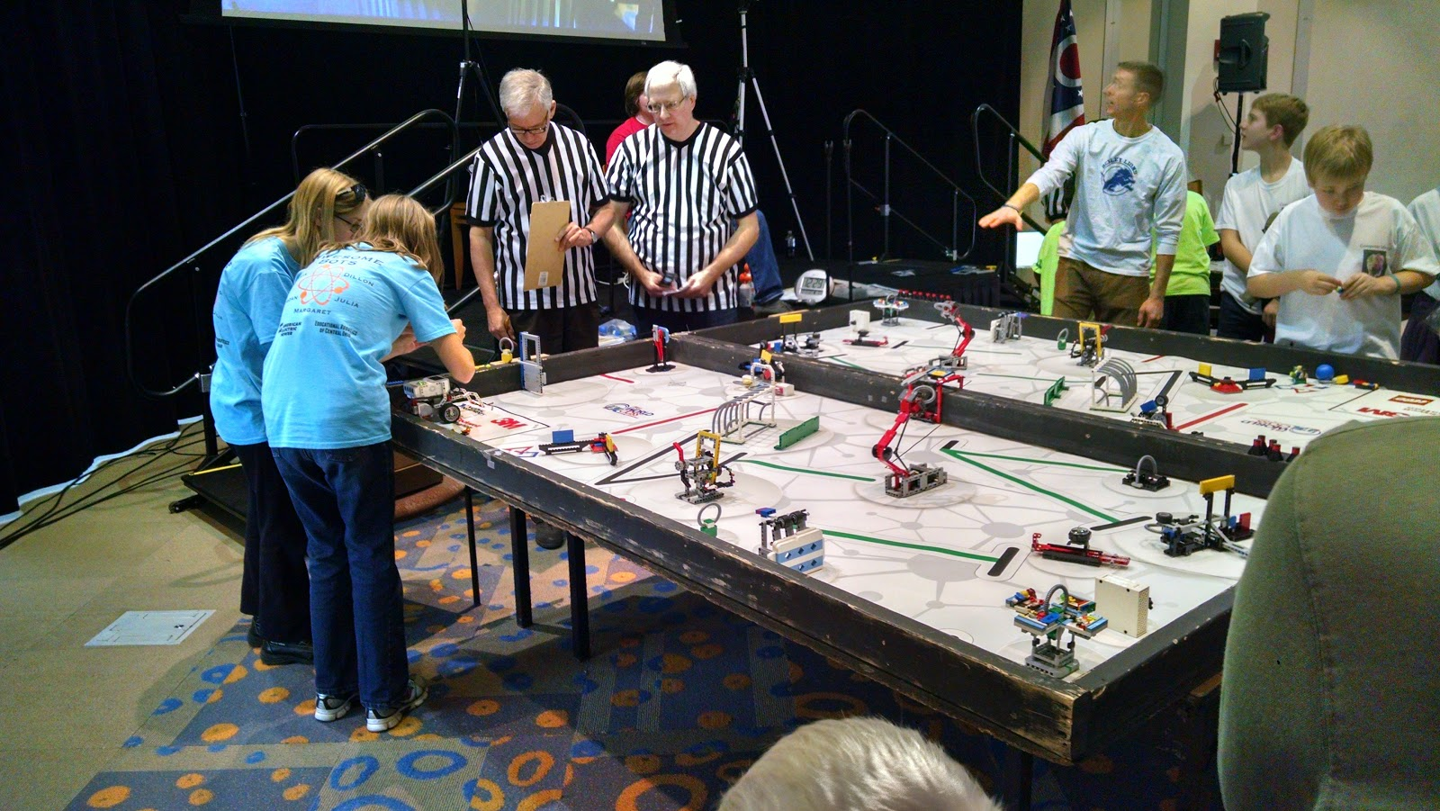Wordless Wednesday: Awesomebots on to districts!